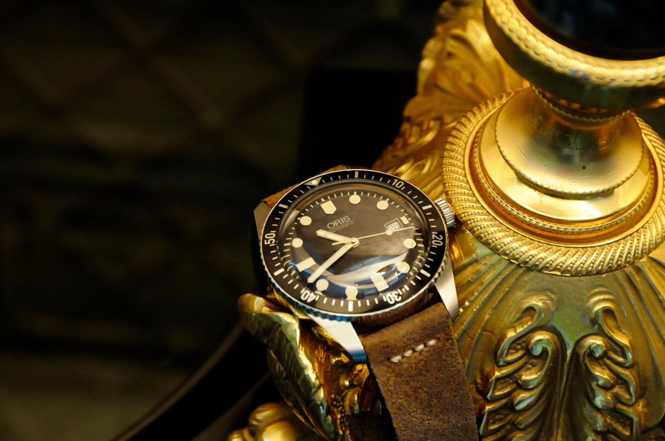 oris watch 65 in the style of james bond dive watches