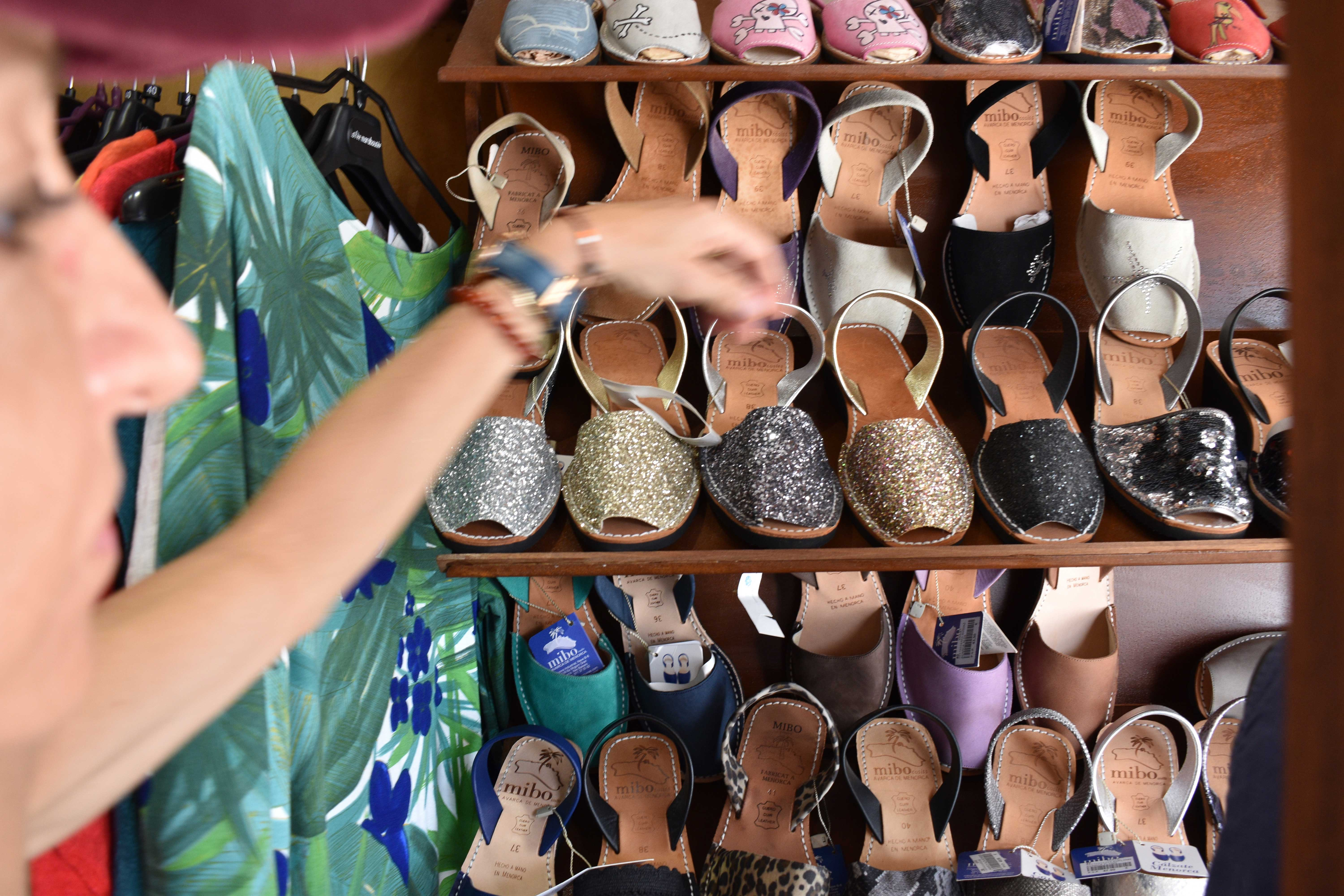 shopping for shoes in palma