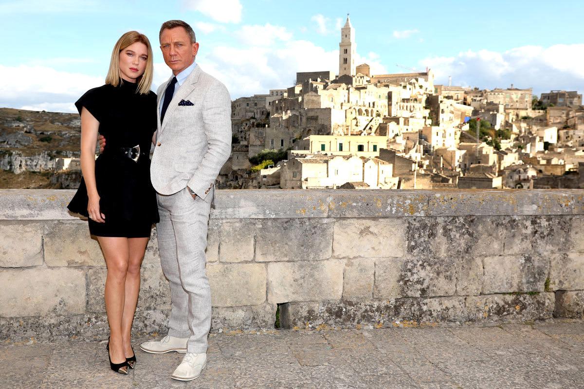 Bond in Matera