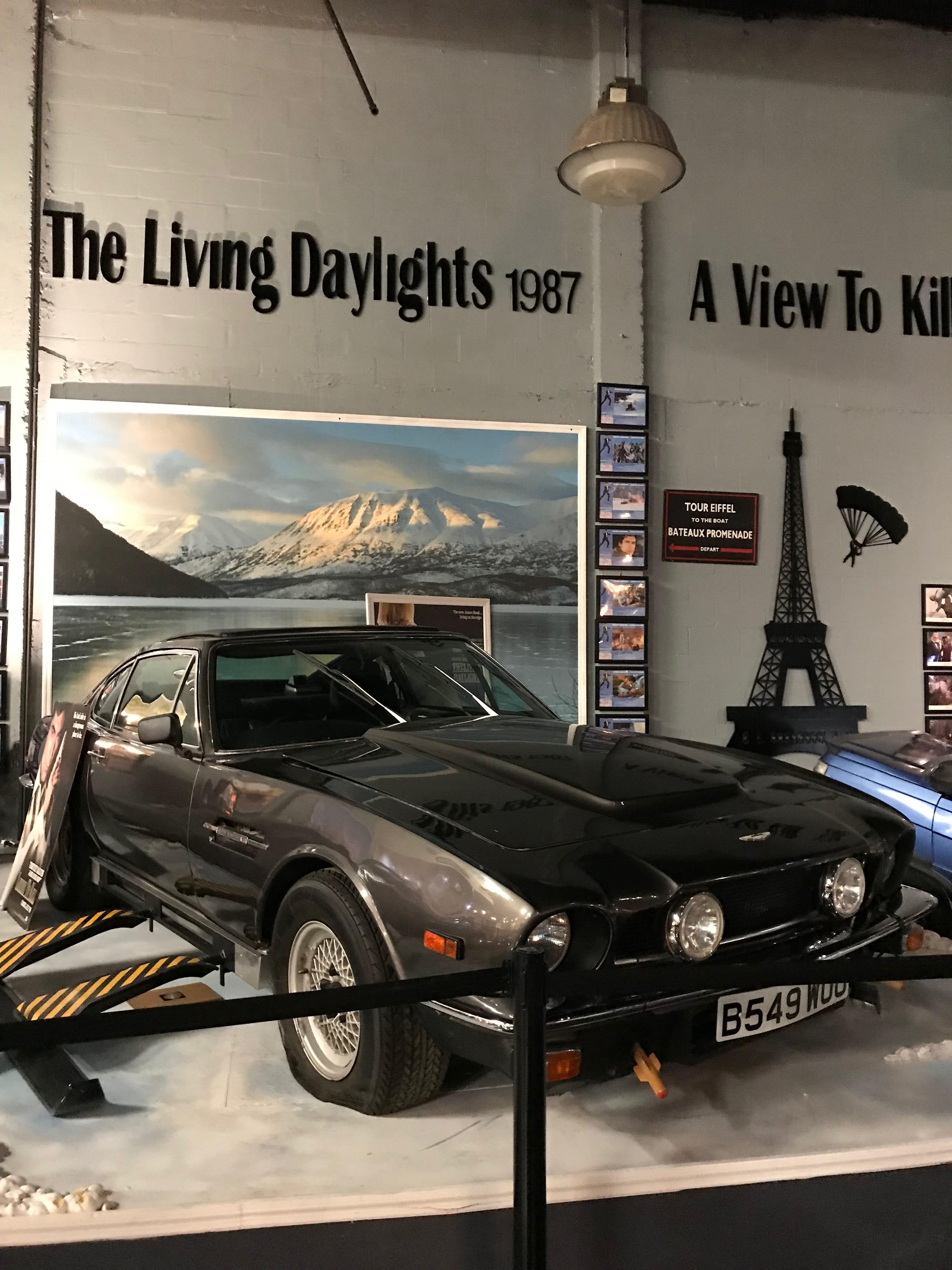 Aston MArtin V8 JAmes Bond Collection