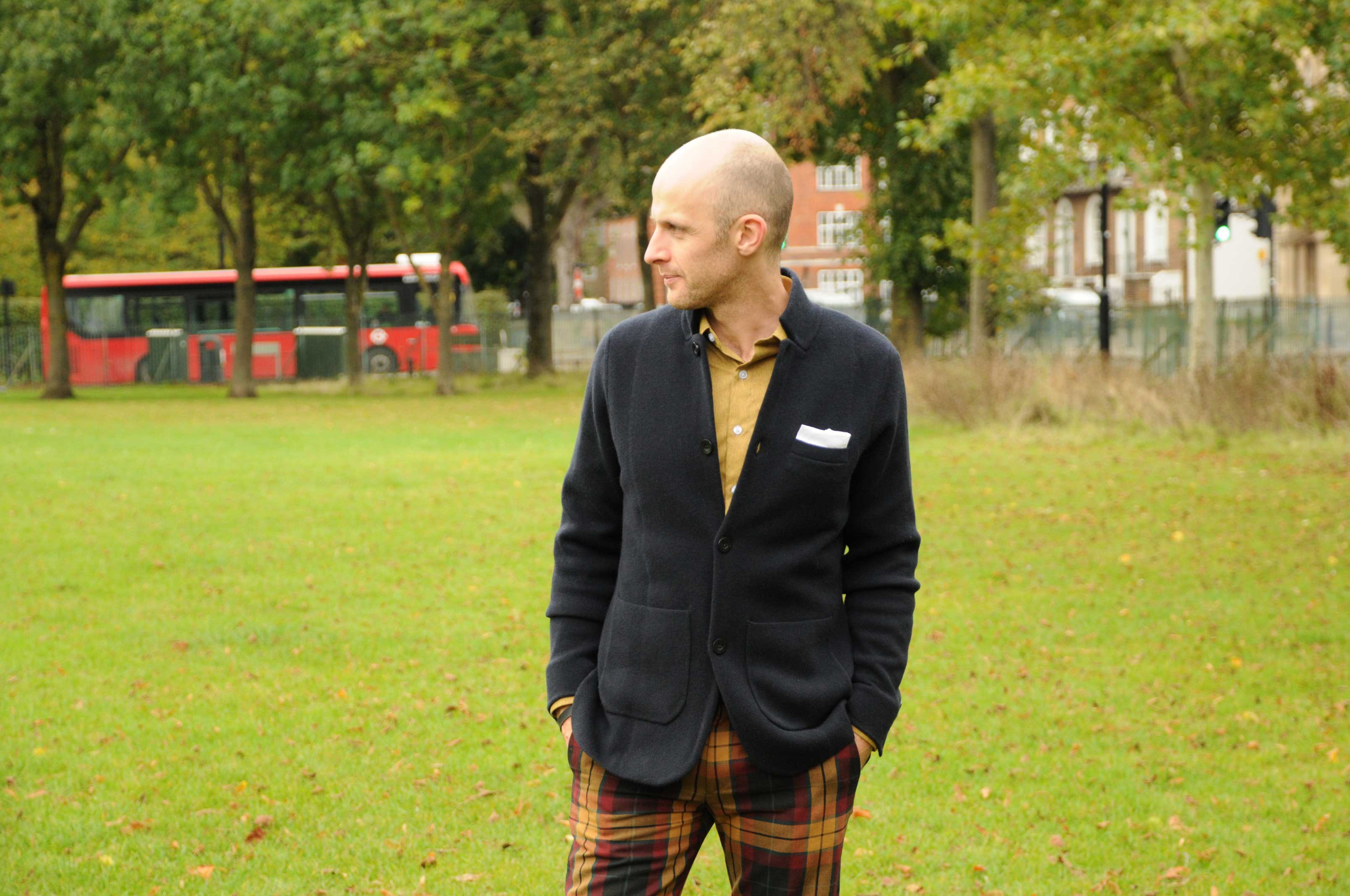 N.peal cashmere jacket james bond goldfinger me standing in a park
