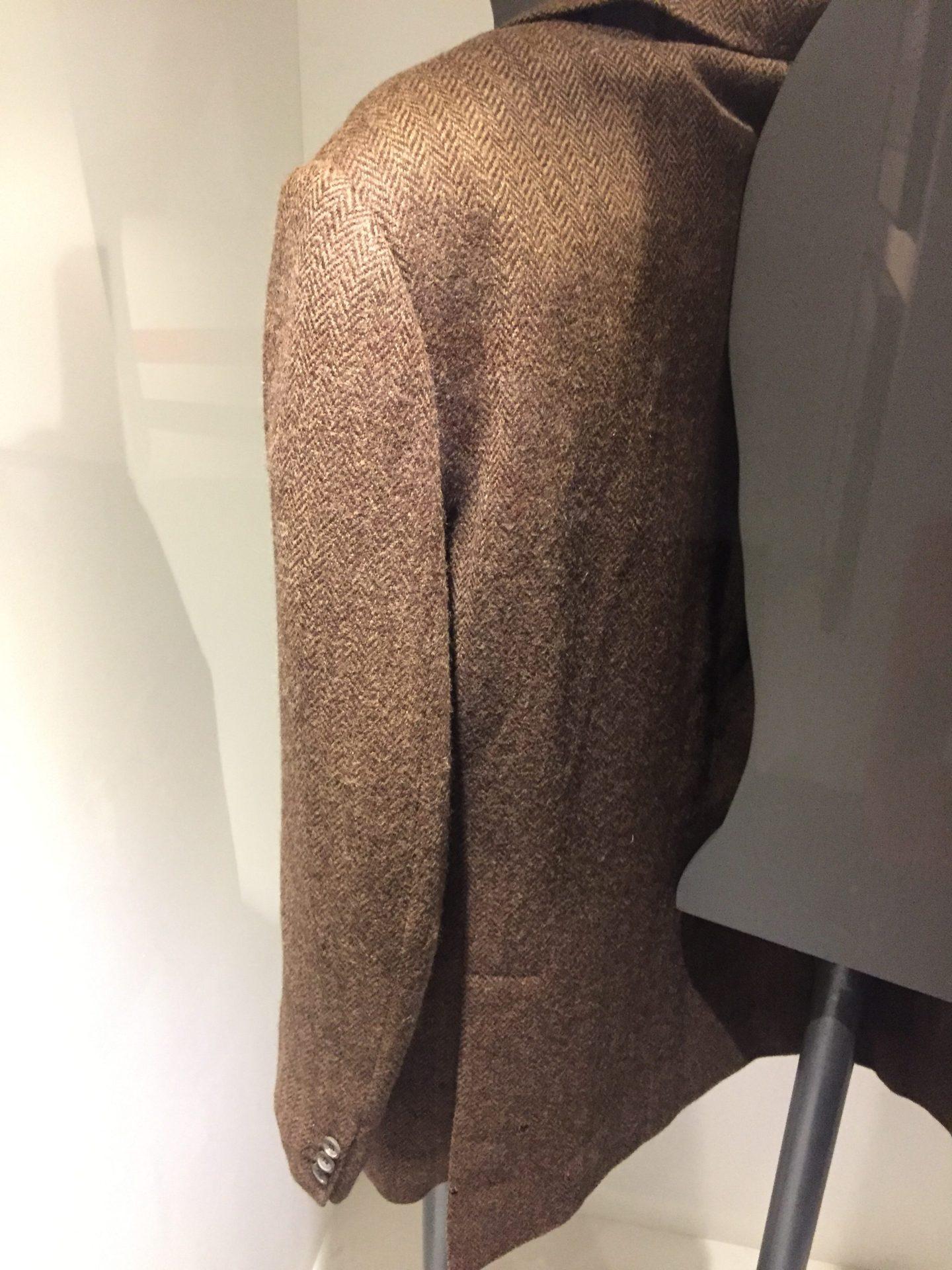 Herringbone pattern on the reversible military jacket