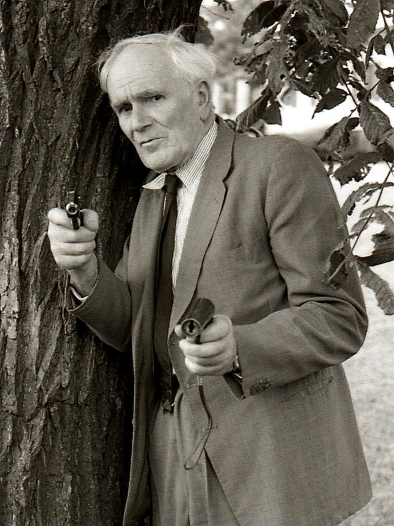 John Glen talks Desmond Llewelyn