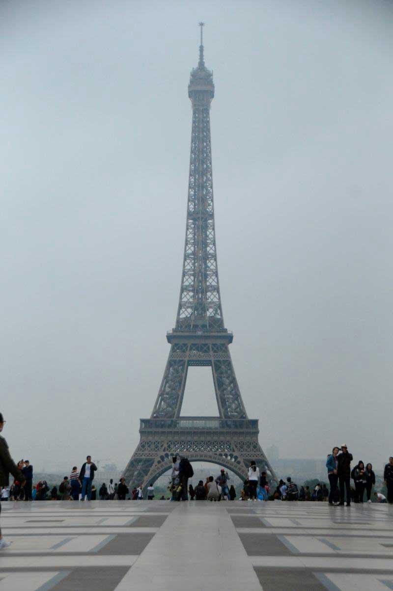 JAMES BOND PARIS Eiffel Tower