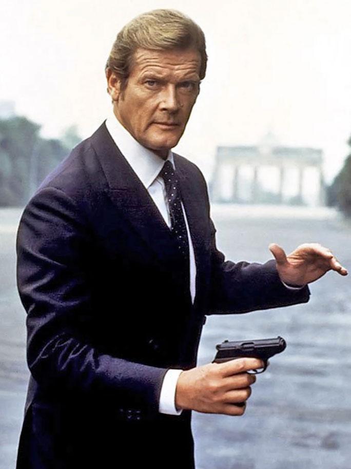 James Bond in Berlin roger moore octopussy promo