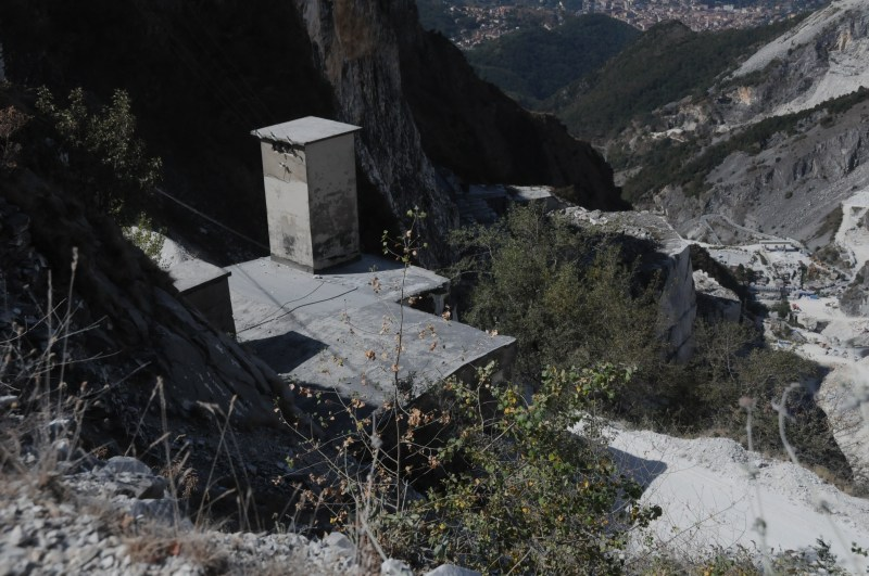 Carrara Marble Italy Bond location