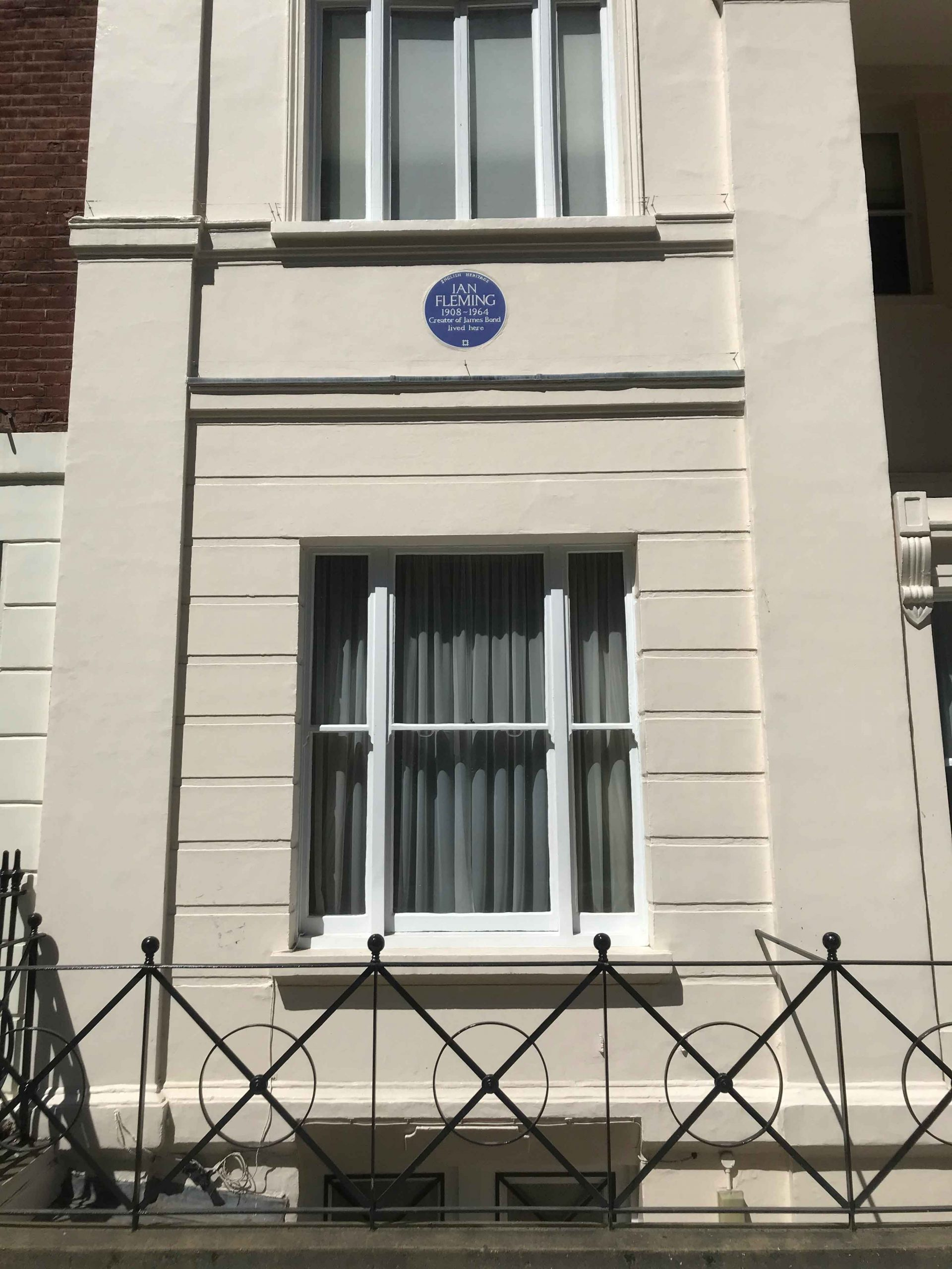 Ian Fleming House with blue plaque
