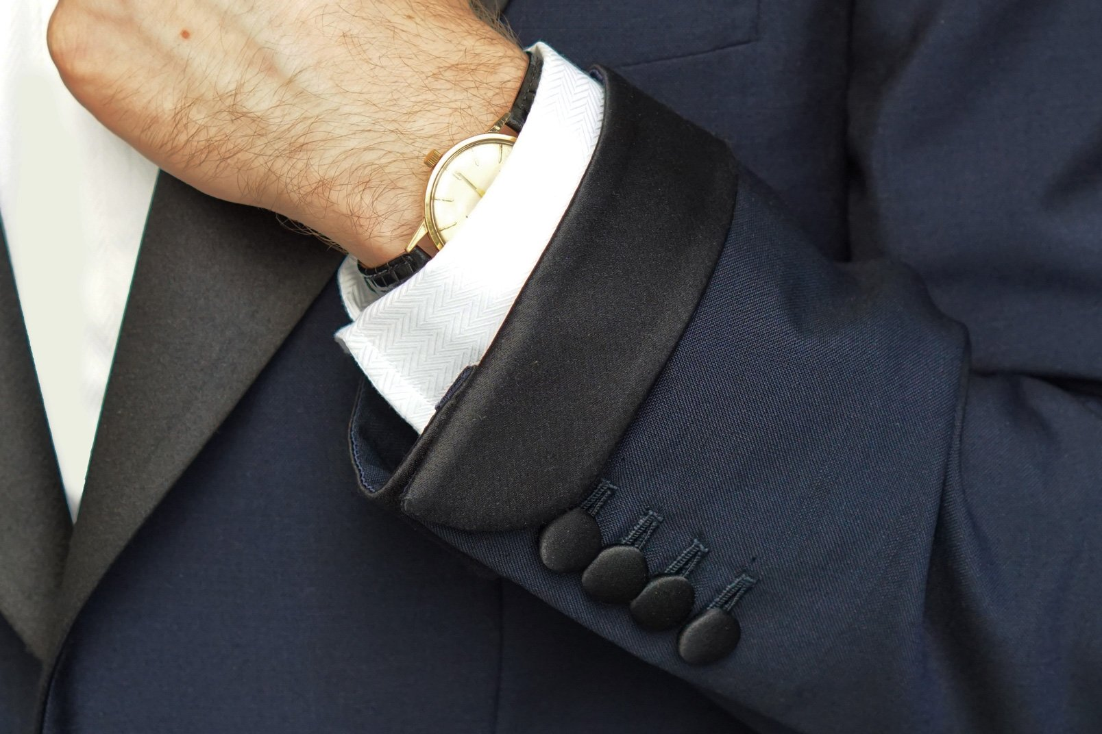 Getting Married the james Bond details