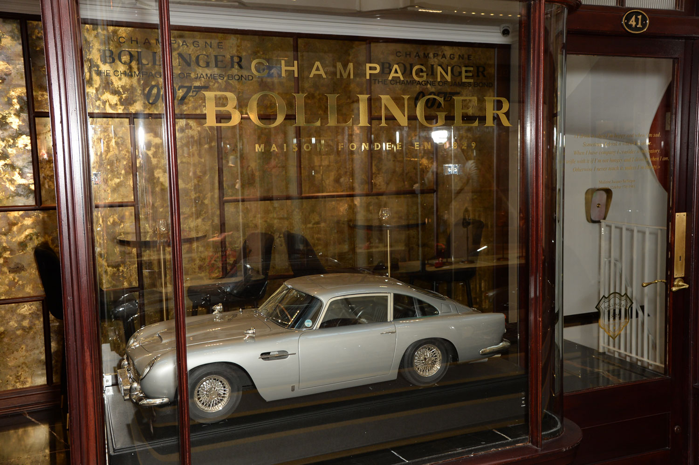 Burlington Arcade Bollinger