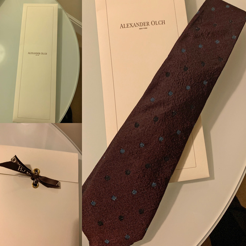 Burgundy Tie unboxing