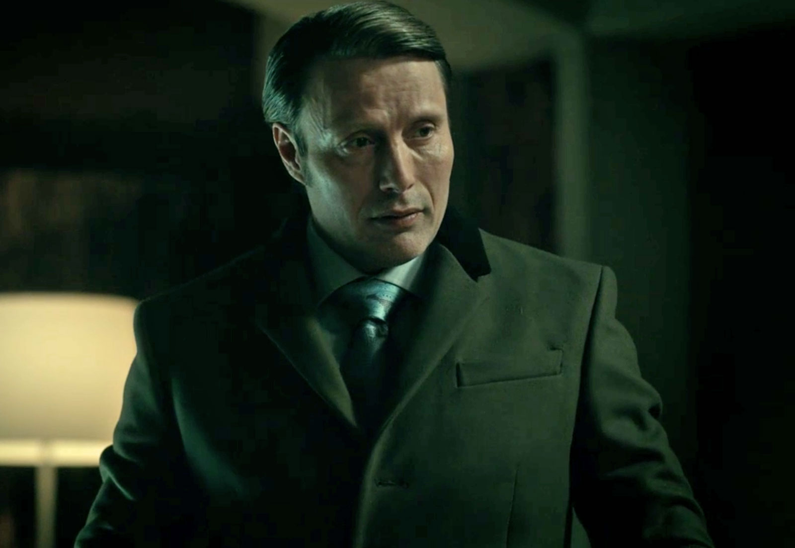 Burberry Overcoat on Hannibal