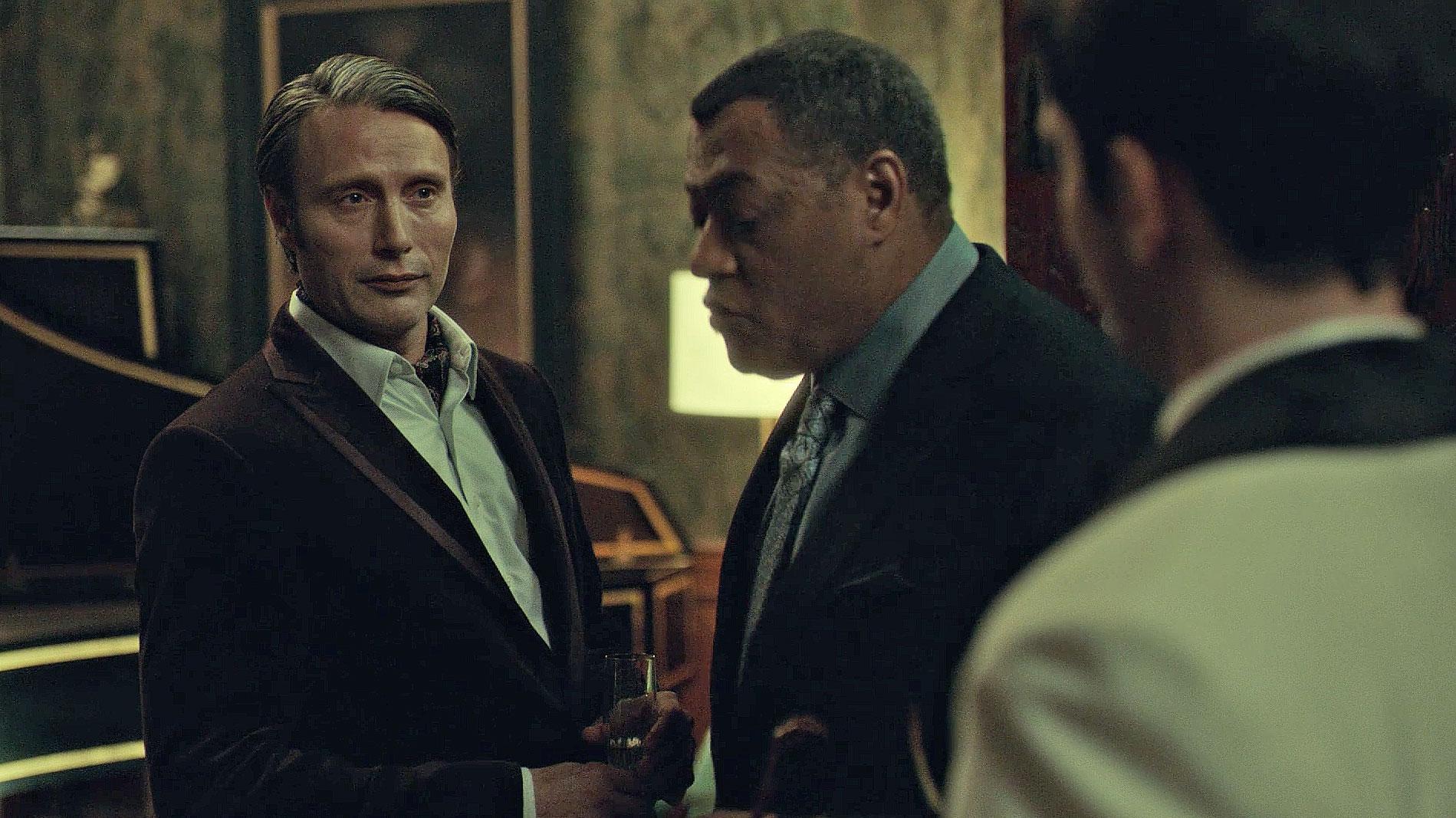 Hannibal in a velvet dinner jacket for a dinner party