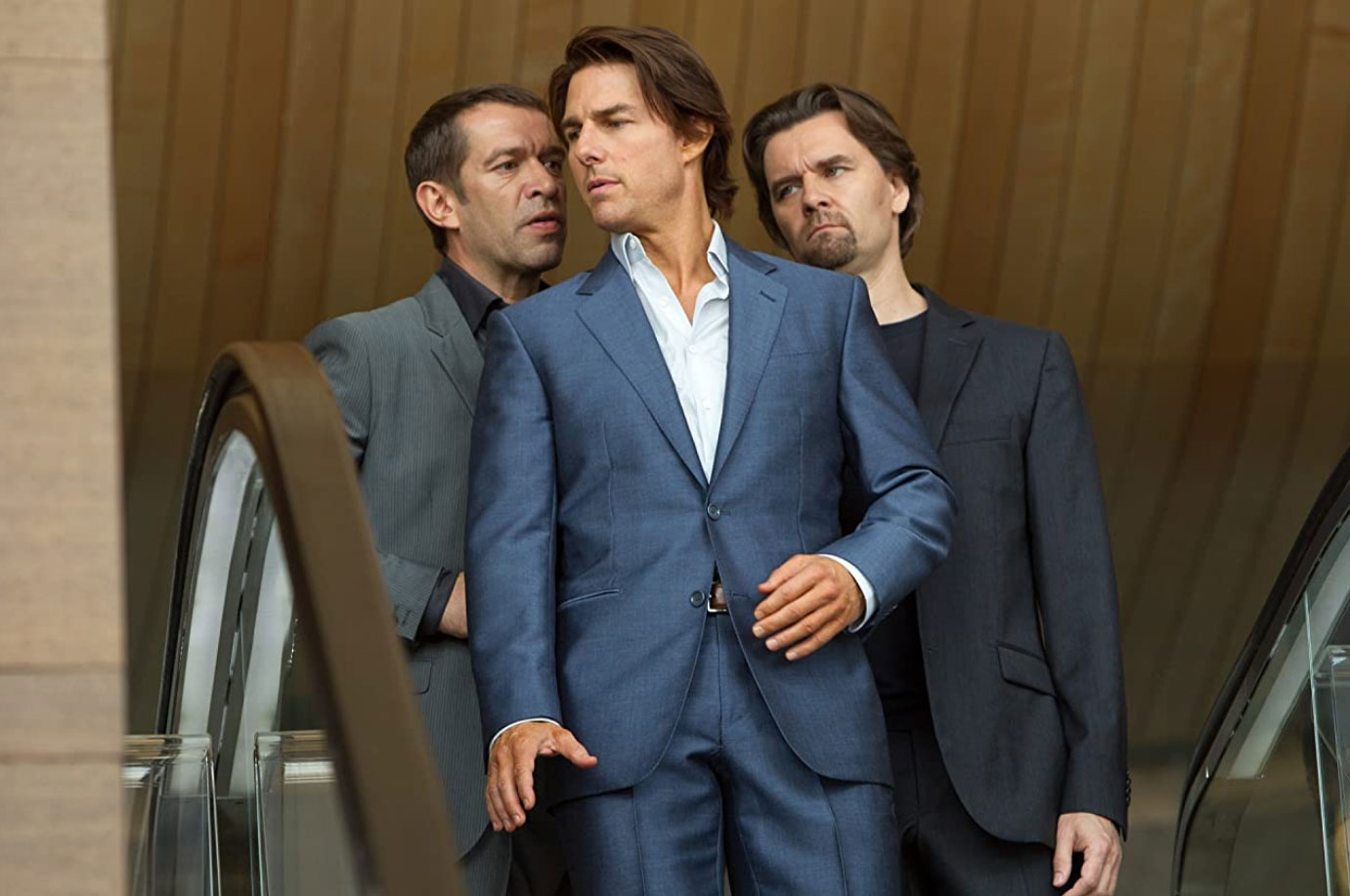 Mission Impossible: Ghost Protocol tom cruise blue suit dubai