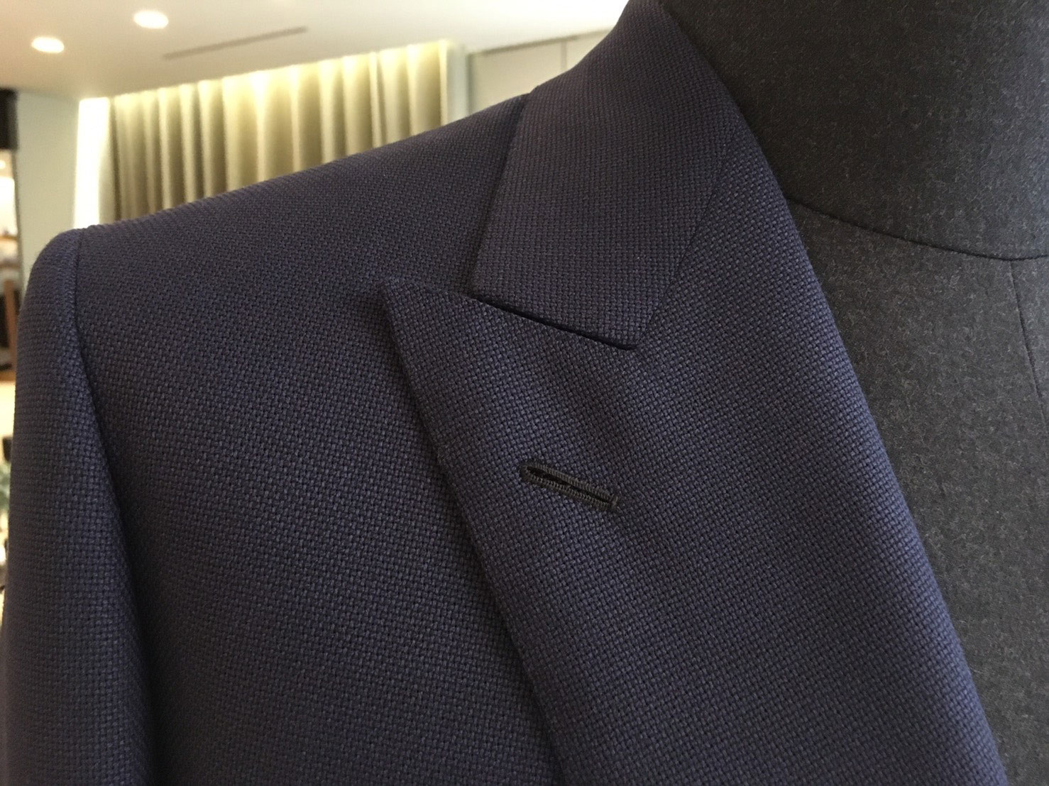 Bond Blazer peak lapels