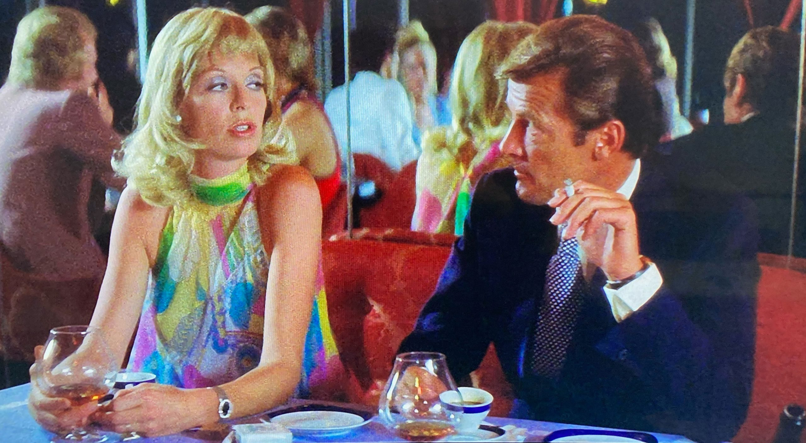 Roger Moore and Susannah York in Gold 1974
